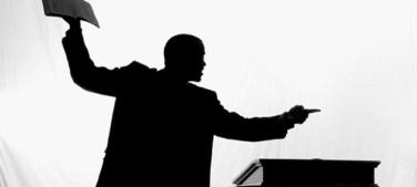 Pastor preaching howafrica com